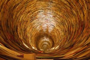 Books Circle Curly, public domain CC0